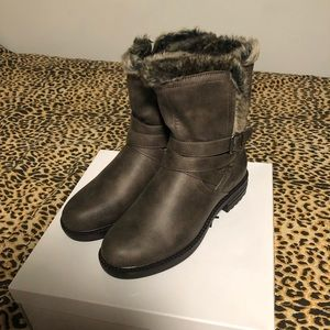 NWT Fur-lined Winter Booties